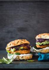 Vegetarian burger with chickpeas and guacamole