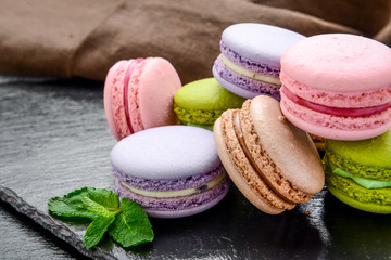 Photo sur Plexiglas Macarons Stack of macarons, macaroons French cookie