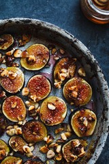 Figs in roasting pan
