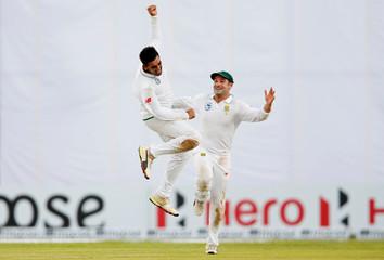 Cricket - Sri Lanka v South Africa - First Test Match - Galle, Sri Lanka