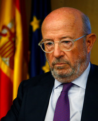 Former chairman of Banco Popular Emilio Saracho stands in parliament in Madrid