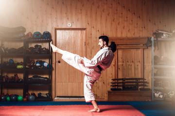 Foto op Aluminium Vechtsport Martial arts master on fight training in gym