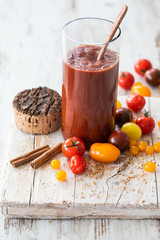 Homemade tomato ketchup without sugar