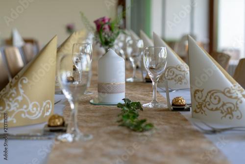 Tischdekoration Goldene Hochzeit Stock Photo And Royalty Free