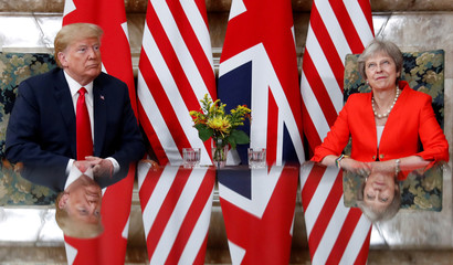 Trumps and May meet at Chequers