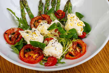 Salad with cheese and asparagus