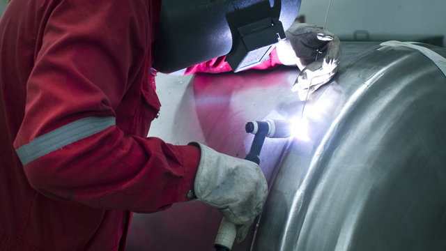Welder Industrial welding part in Oil and Gas or Petrochemical