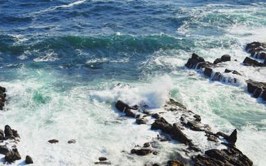 海 波 岩 素材