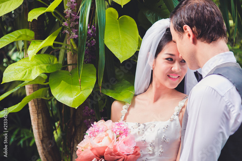 Bouquet In The Hands Of The Groom To Make A Happy Wedding Gift To A