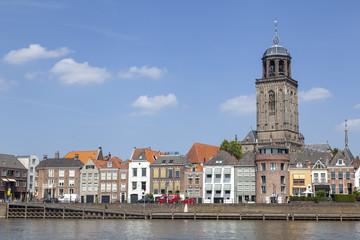 Stadtansicht mit Lebuinuskirche in Deventer, Niederlande