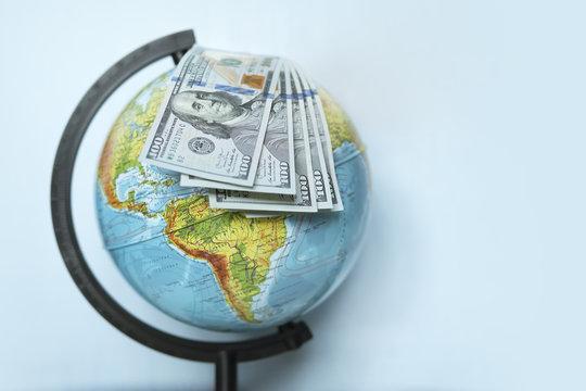 Globe on US dollars