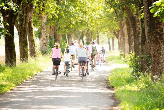 Fahrrad - Ausflug mit der ganzen Familie