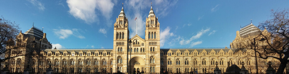 Panorama of the Natural History Museum in London. Fototapete