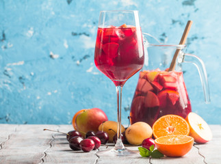 Refreshing sangria with fruit