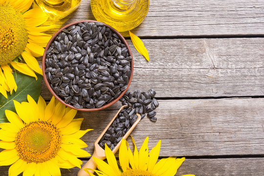 Ingredient  oil , seeds and sunflower