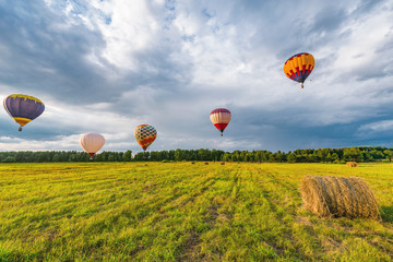 Flight of the hot air balloons.