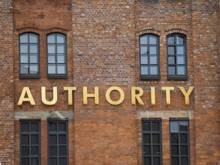 Autorität, Schild, Wand, Backstein