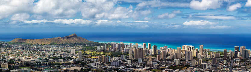 Panoramic view of Honolulu city, Waikiki and Diamond Head from Tantalus lookout Wall mural