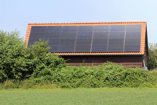 zonnepanelen op schuur