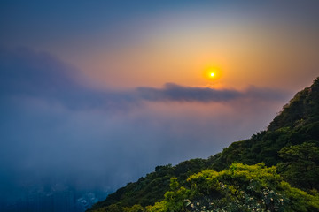 Fotomurales - Misty City and Harbor at Sunrise - Victoria Harbor of Hong Kong