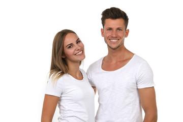 Hübsches junges Paar lacht