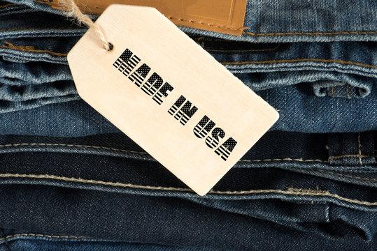 Jeans Hose mit einem Schild Made In USA