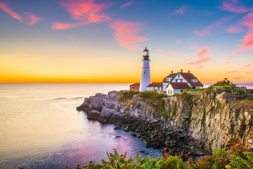 Fotomurales - Cape Elizabeth, Maine, USA at Portland Head Light at dawn.