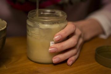 Honig aus dem Glas