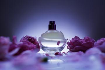perfume and flowers Fototapete