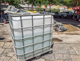 Baustelle mit Wassertank