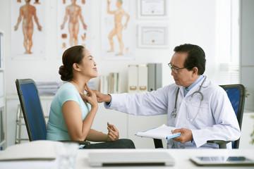 Diagnosing sore throat