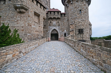 Papiers peints Chateau Stone bridge in medieval Kreuzenstein castle in Leobendorf village near Vienna, Austria