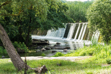 Water flowing along the dam