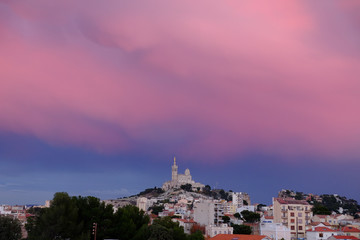 Papiers peints Rose banbon Notre Dame de la Garde Marseille