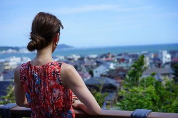 鎌倉のお寺と女性