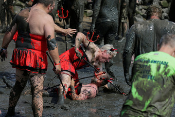 Brunsbuettel Mud Olympics - Wattoluempiade