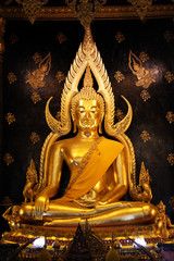 Phra phuttha chinnarat in Wat Phra Sri Rattana Mahathat (Wat Yai). The world most beautiful golden buddha statue.
