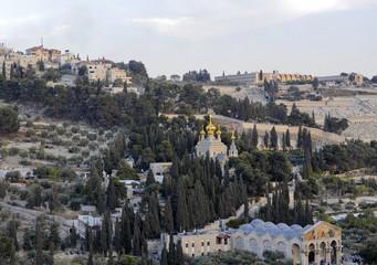 Ölberg, Garten Gethsemane, Kirche der Nationen (vorne) und Maria-Magdalenen-Kirche, Jerusalem, Israel, Naher Osten, Vorderasien