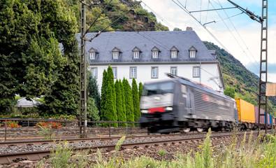 Lärmbelästigung durch Güterzüge im Rheintal
