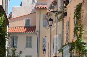 Rue traditionnelle de Provence, Marseille, France