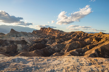 Zabriskie Point bei Sonnenuntergang im Death Valley