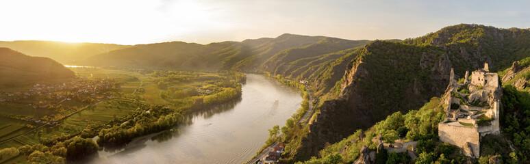 Goldene Stunde über Dürnstein Fototapete