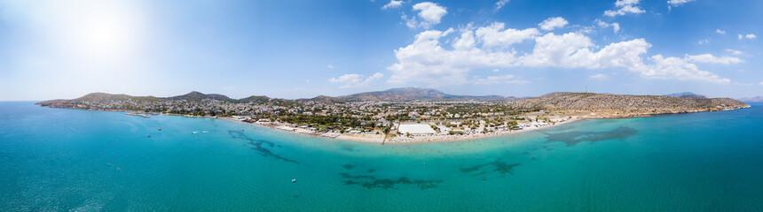 Wall Mural - Weites Panorama der Südküste von Athen, mit beliebten Badestränden und türkisem Meer, Griechenland