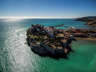 Peñiscola desde el aire. Pueblo de Castellon en la Comunidad Valenciana, España. Fotografia con Drone