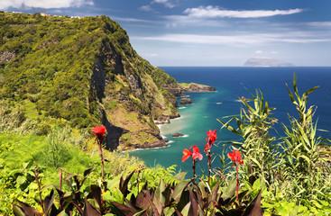 Foto auf Gartenposter Kuste Miradouro Dos Caimbros at Flores (Azores islands)
