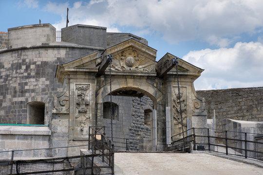 Fort de Joux: Eine Festung an der Grenze zur Schweiz