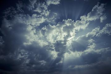 空と白い雲