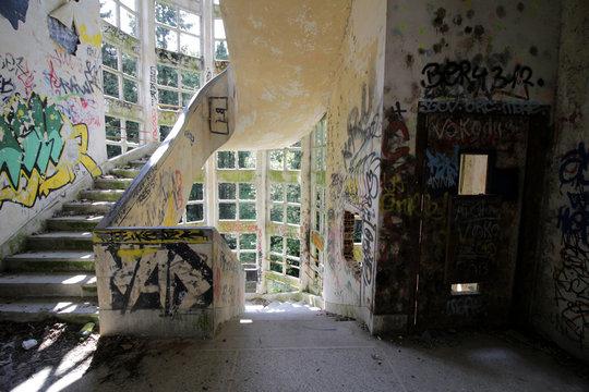 Aincourt - Sanatorium Abandonné