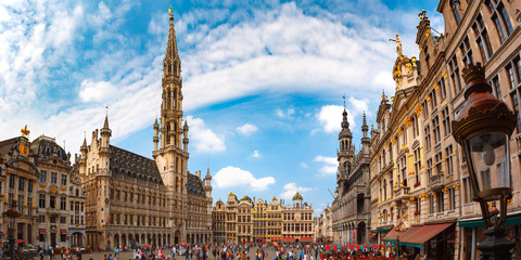 Foto op Plexiglas Brussel Grand Place Square with Brussels City Hall in Brussels, Belgium