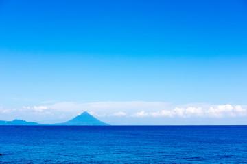 青空と海と雲と山